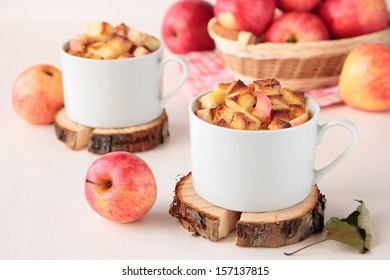 White bread pudding with apples and cinnamon