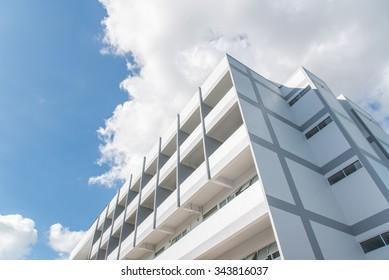 White Building(hospital)