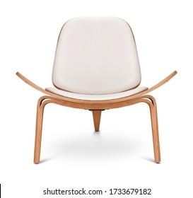 Der Sessel in weißer Farbe. Moderner Designstuhl auf weißem Hintergrund. Textil, Leder, Holzstuhl.