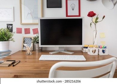 White desktop computer in new modern office