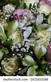 White flowers on the weddingday