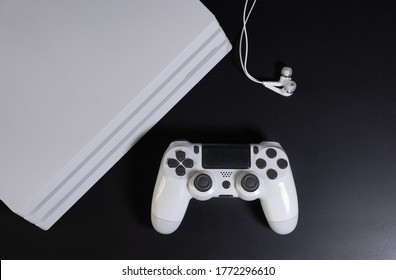 White game console and controller