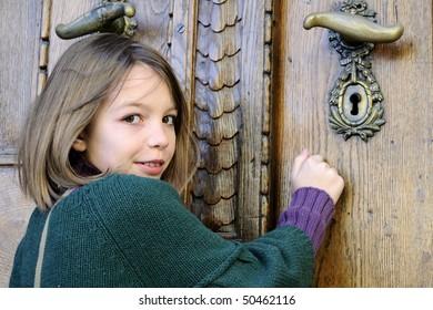 white girl knocking on door