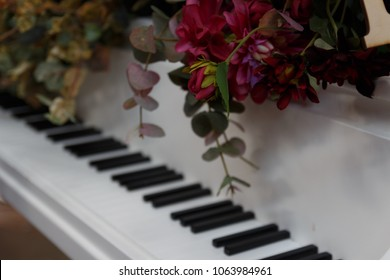 Grand Piano Red Rose Images, Stock Photos & Vectors ...
