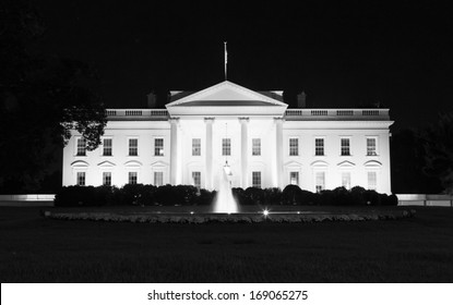 White House front side at night (B&W)