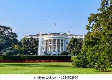 The White house and his backyard - Washington D.C - USA