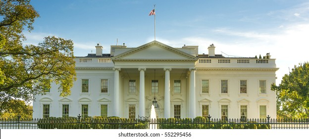 The White House from the norh lawn in Washington DC