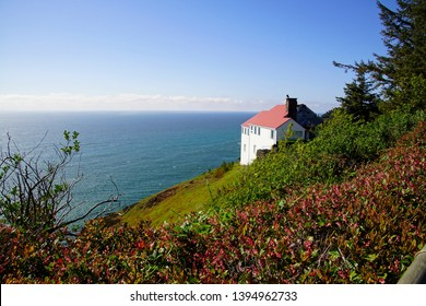 White house on cliffs of Cape Foulweather, Depoe Bay, Oregon