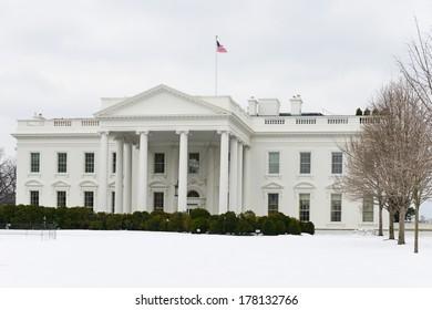 The White House in snow - Washington DC, United States