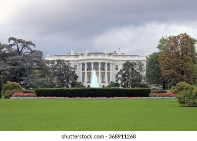 The White House under thick and dark clouds