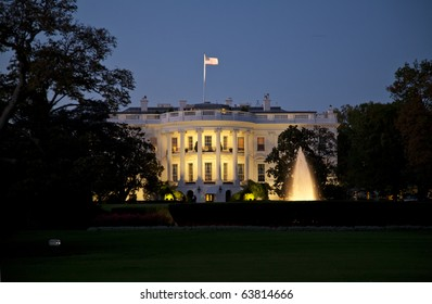 The White House in Washington D.C. in the night