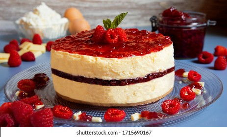 White mousse chocolate cake with berries