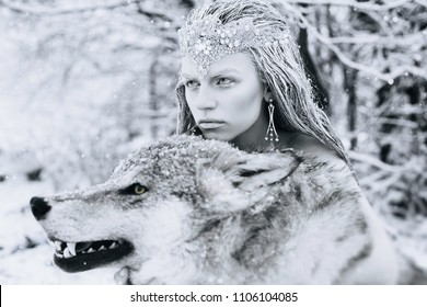 white queen with the wolf