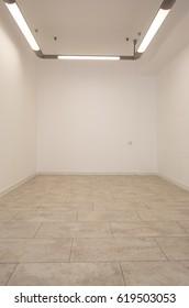 White room, empty space