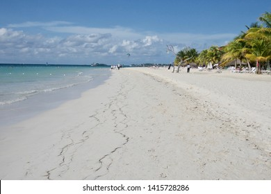 White sands at Seven Mile Beach in Negril, Jamaica