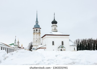 White stone church on the central square of Suzdal in winter