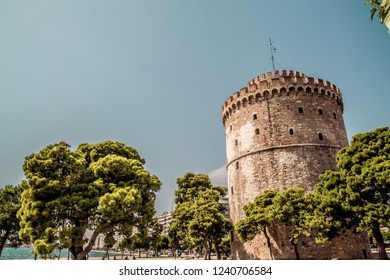 The White Tower of Thessaloniki on north shore of the Aegean Sea, Greece. The tower was built as a fortification by Ottoman Sultan Murad II.