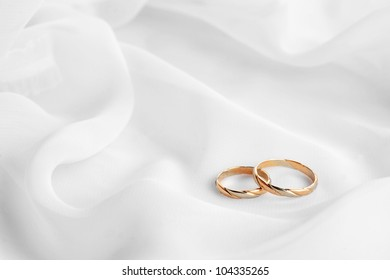 Wedding Rings On Wedding Card On Stock Photo Edit Now 531978373