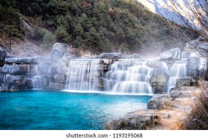 White Water River (Blue Moon Valley) actually is an extremely blue river meandering through a lush valley of Jade Dragon Snow Mountain, is clean, pure and sacred for the local Naxi people.