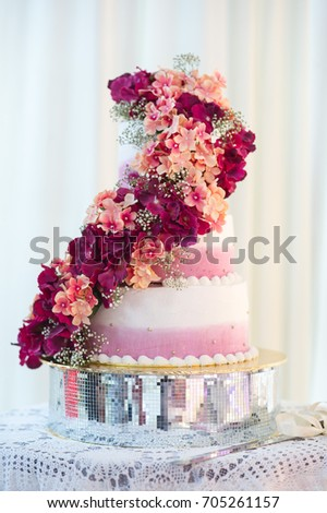 White Wedding Cake Red Flowers Stock Photo Edit Now 705261157