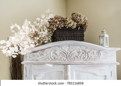 White wood, flowers, shabby chick background