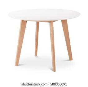 Weißer runder Esstisch aus Holz. Moderner Designer, Esstisch einzeln auf weißem Hintergrund. Möbelserie.
