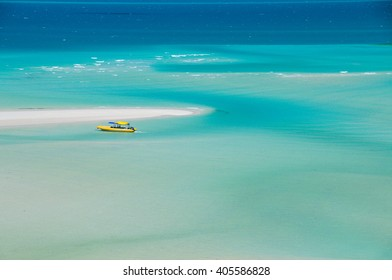 Whitehaven beach in the Whitsundays, Australia