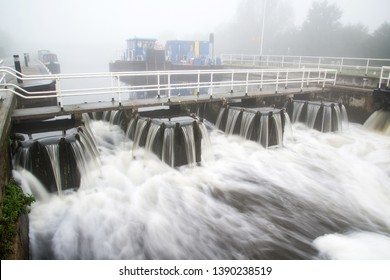 Whitley, Goole, East Yorkshire, England, Britain, October 2014, Whitley Lock after heavy rain on a grey misty day