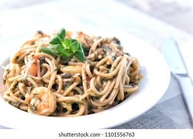 Whole Wheat Spaghetti with Shrimps
