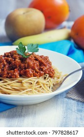 Whole wheat spaghetti with vegan bolognese sauce