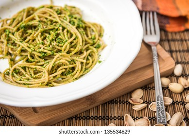 Wholemeal Spaghetti with Ramsons Sauce