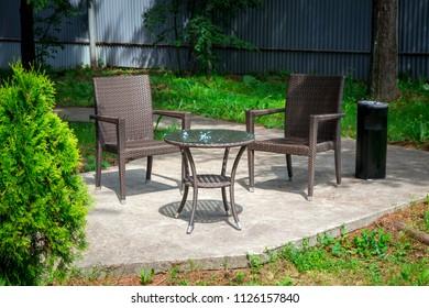 Wicker furnishings in the garden