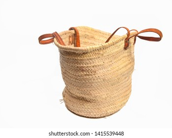 Wicker shopping bag made of natural material