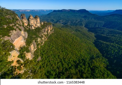 Wide angle view of the Jamison Valley and its famous landmarks in Australia's Blue Mountains
