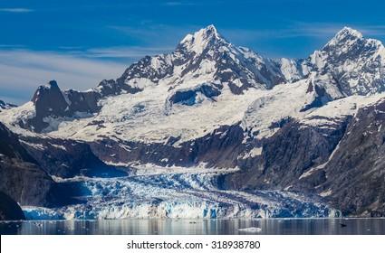 Wide shot of Beautiful John Hopkins Glacier