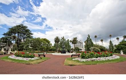 Wide shot of nice park