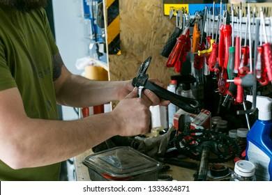 Fotos, imágenes y otros productos fotográficos de stock sobre Repair