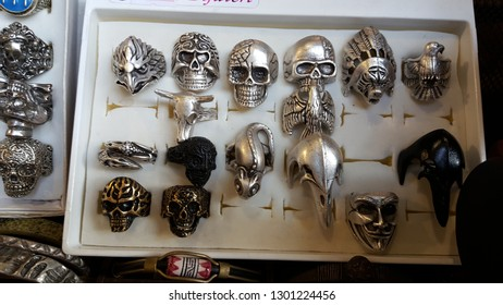 A wide variety of skull ring and accessory souvenirs stand.