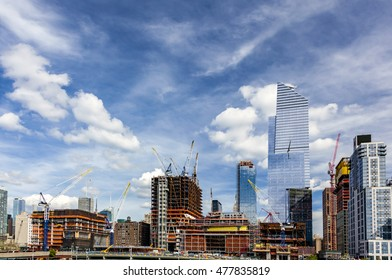 Wide view of the big construction development at the Hudson Yards in Manhattan. This project is located on the West Side of the city and will feature residential, new offices and retail spaces.