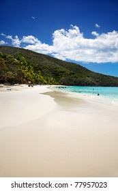Wide white sand beach at Trunk Bay, St John