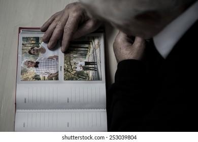 Widowed senior recollect happy memories of his wife