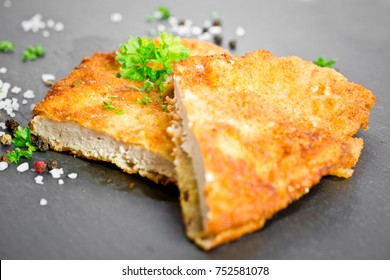 Wiener Schnitzel mit Petersilie