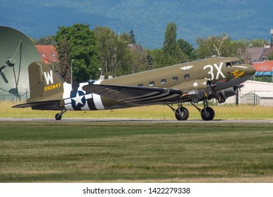WIESBADEN / GERMANY - JUNE 2019 Commemor. Air Force Douglas DC-3C, N47TB, cn 12693 T/O for an air display particip. in the celebs for 70 years Berlin airlift. D-Day marks 42-92847 3X W
