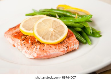 Wild Alaskan Salmon Grilled with Green Beans