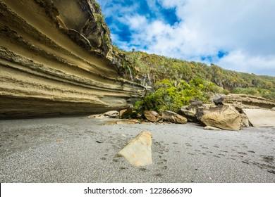 Wild coastal cliffs on the Truman track, close to Punakaiki and Greymouth. Paparoa National Park, New Zealand