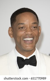 Will Smith attends the amfAR Gala Cannes 2017 at Hotel du Cap-Eden-Roc on May 25, 2017 in Cap d'Antibes, France. During Cannes film festival 2017