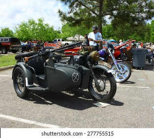 WILLIAMSBURG, VA - May 9, 2015: A 1939 BMW R79 motorcycle side car and machine gun at the 6th Annual Project Lifesaver Car Show in Williamsburg Virginia on a summer day.