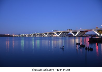 Wilson bridge in Alexandria, Virginia at night