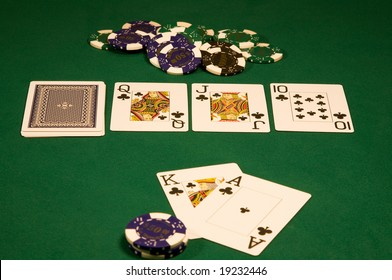 Win on high stakes poker in casino