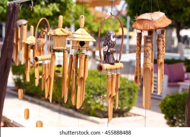 Wind chimes music